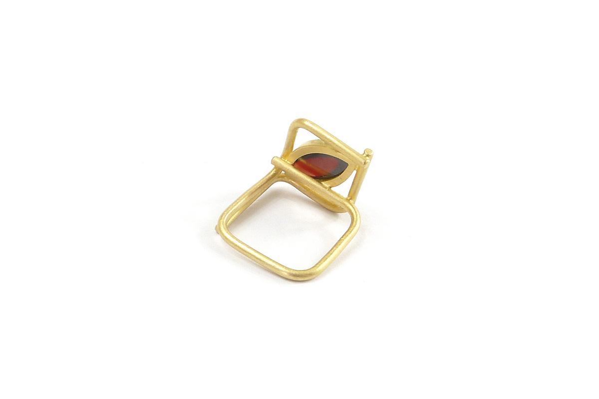 Ring_Squared_Granat_YG.750°°°_1