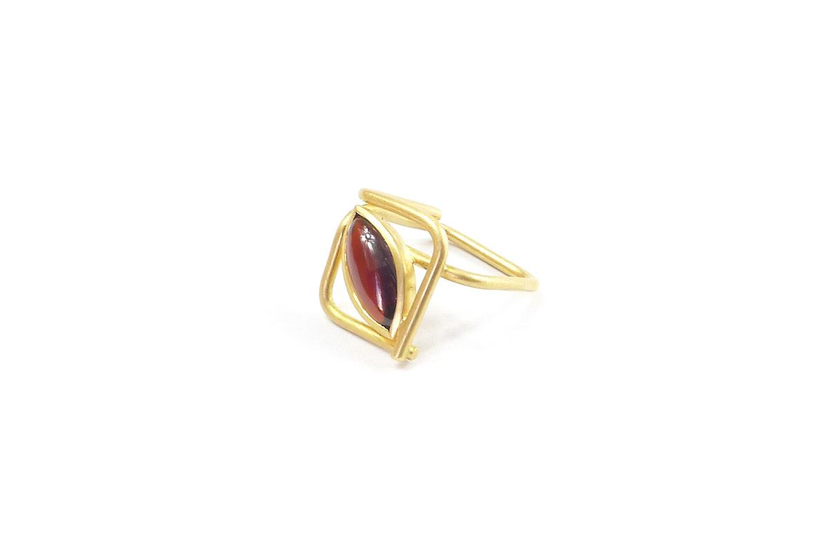 Ring_Squared_Granat_YG.750°°°_2