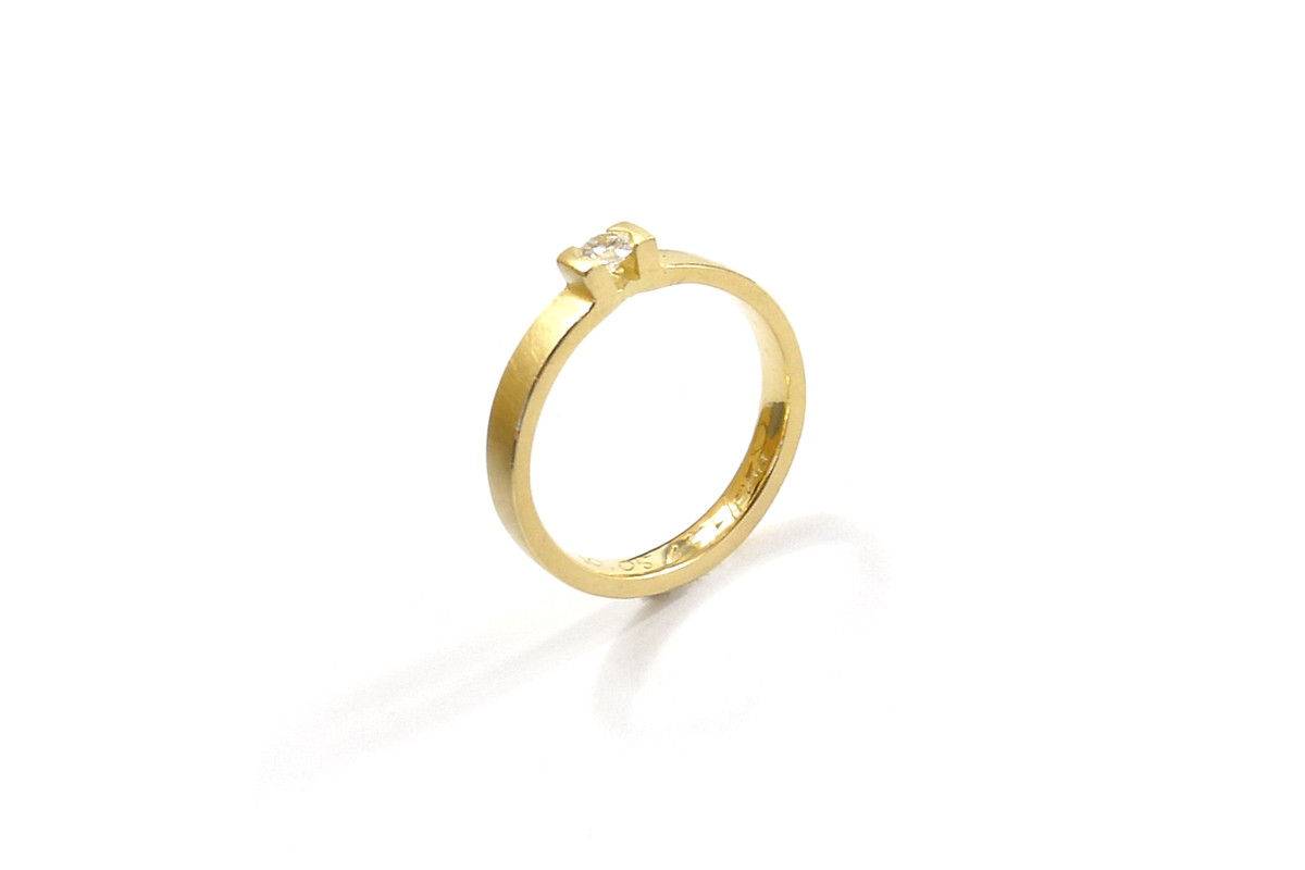 Ring_UpRight_YG750ººº_1